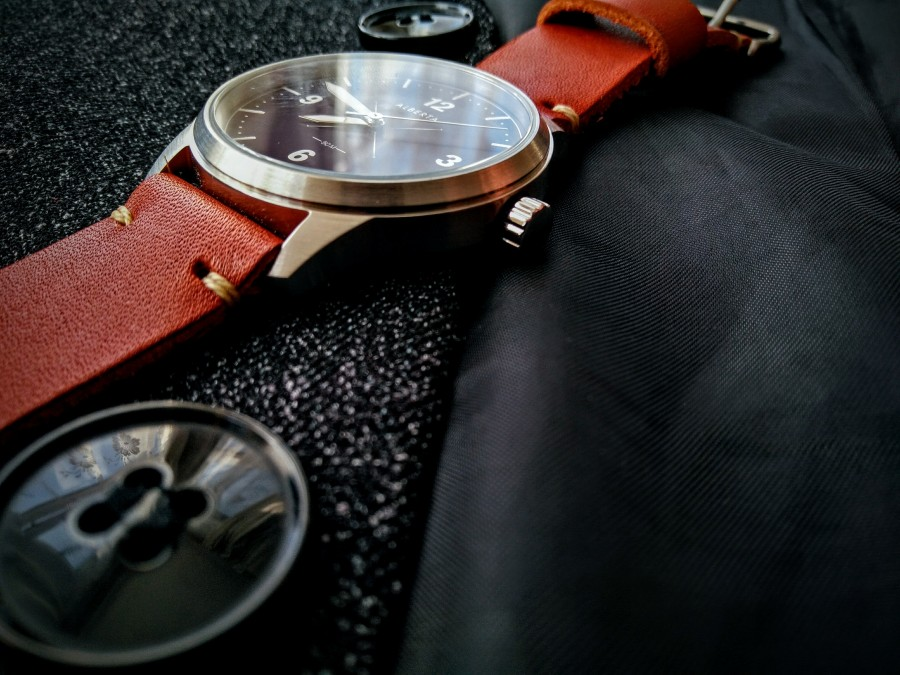 Watches Albertawatches canada canadianwatches canadawatches newlabelsonly photography london blogger collaboration watchfeature calgarywatches canadajewellery new brand newbrand label newlabel newlabel newwatch watch2017 everydaywatch gentlemanwatch affordablewatch affordablewatch2017 bestwatch2017 hikingwatch ladieswatch unisexwatch unisex watch menwatch gentwatch cheapgentwatch premiumwatch affordablepremiumwatch watch leatherstrap blacksuit